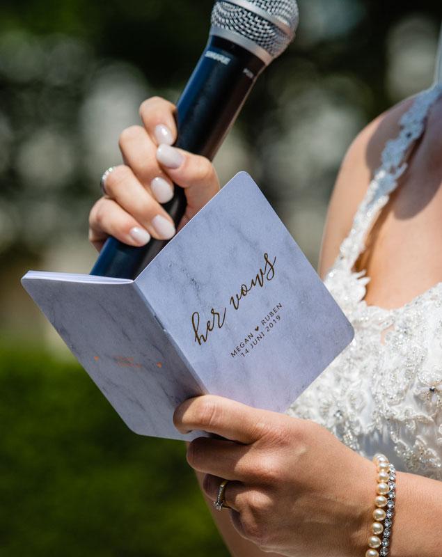 Gepersonaliseerd vows boekje Mooiste Moment Weddings